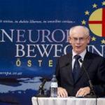 Il 16 novembre 2012 è stato conferito al presidente del Consiglio europeo Herman Van Rompuy il premio europeo Coudenhove-Kalergi 2012 durante un convegno speciale svoltosi a Vienna per celebrare i novant'anni del movimento paneuropeo. Alla sue spalle compare il simbolo dell'unione paneuropea: una croce rossa che sovrasta il sole dorato, simbolo che era stato l'insegna dei Rosacroce.